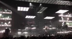 Video: JAY Z - Pound Cake (Live at Manchester, UK)
